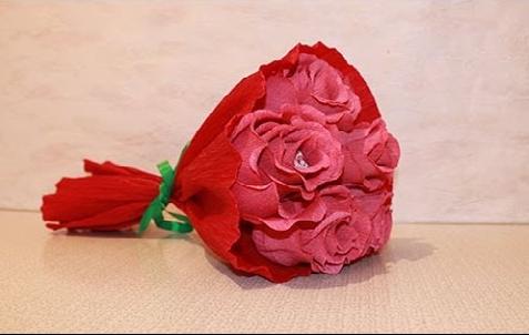 Своими руками цветы с конфетами роза